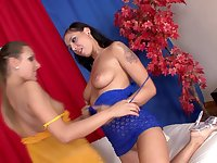 Closeup video of anal loving Lara and Belinda having a threesome