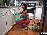 Round butt ebony cleaner Sarai Minx takes money to have sex