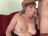 Hairy mother i´d like to fuck sucking cock and spunk on fun bags