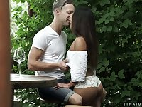 Killing hot babe Liv Revamped gets her anus banged in the garden