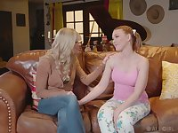 Erotic nude massage gets turned into good lesbian scissoring with Marie McCray