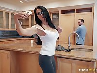 Hardcore kitchen blowjob and a facial with brunette MILF Reagan Foxx