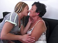 Hanna D. and Mandy V. lick each others hairy mature pussies