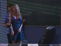 Katie Morgan and a guy enjoy fuck and a blowjob in the dark classroom