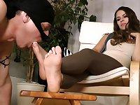 Chinese femdom foot worship QQ F