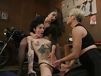 Top lesbians are having a wild tome dominating their vags
