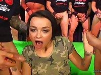 Daphne klyde gives cumswallows and gets facials