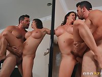 Seasoned babe Alexis Fawx fucked good in front of a mirror