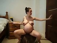 I love this sexy pregnant webcam model, have all her videos