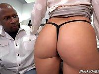 Interracial shag between a massive black dick and Cali Carter