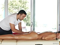 Oiled massage makes Rachel Starr horny for his sticky man juices