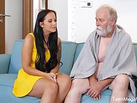 Seductive brunette with big tits, Jennifer Mendez had sex with an elderly man from the neighborhood